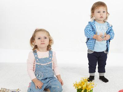 塔哒儿童装