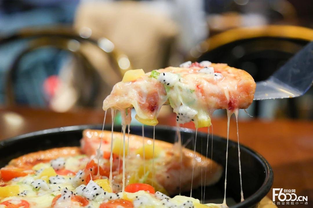 百瑞莲串串披萨加盟