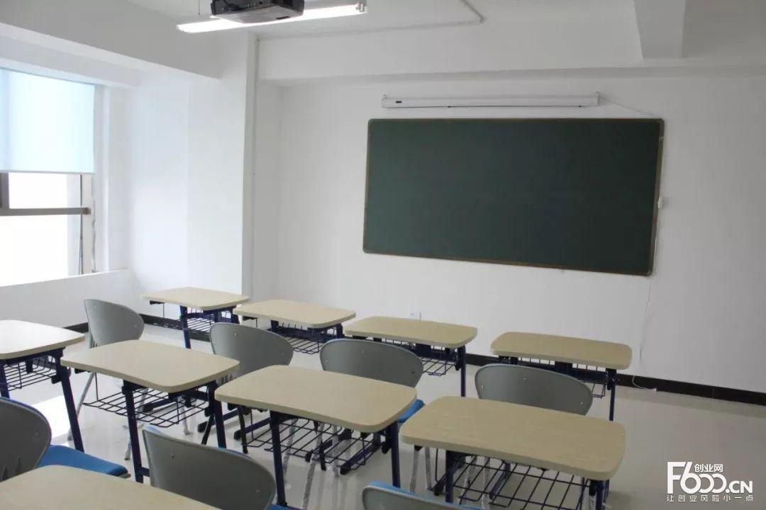 培根教育加盟