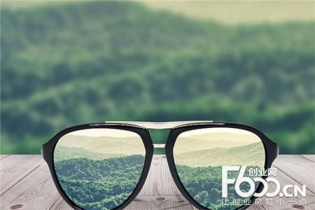 查尔斯顿眼镜图片