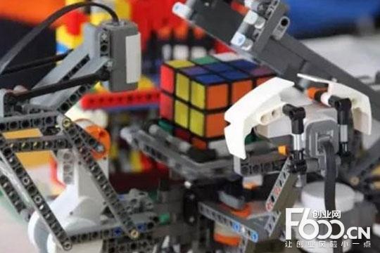 动力猫机器人