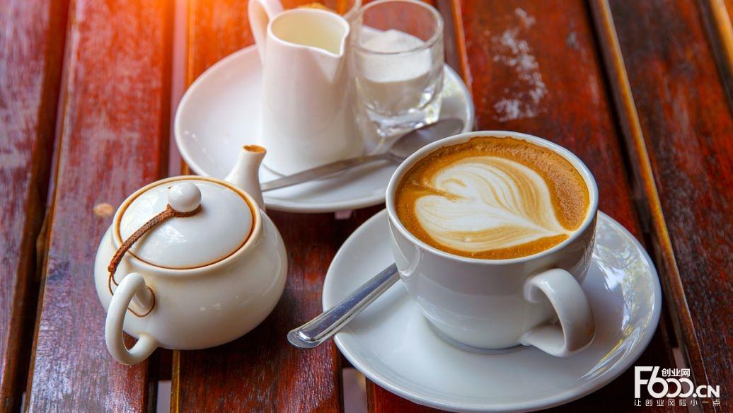 爱雨蓝街头咖啡