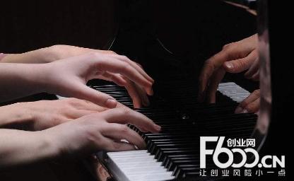 九优琴行钢琴