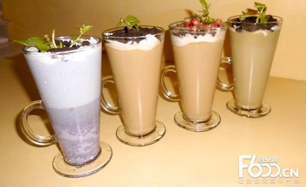 黑露白霜奶茶