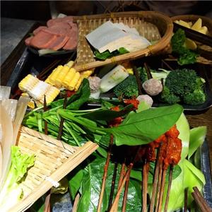 龙窑砂锅串串香
