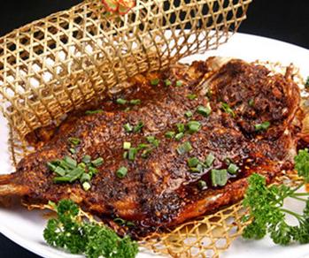 芳沁百味焖锅烤鱼