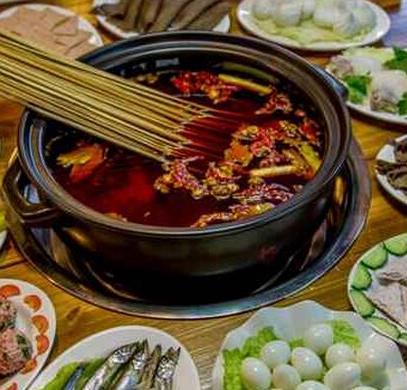 黄记砂锅串串香