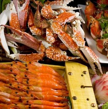 海吃海喝快乐自助餐厅