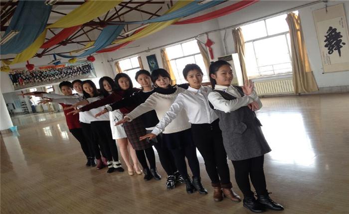 伟宁文化艺术培训加盟