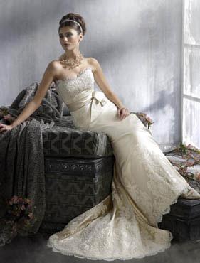 玛丽王婚纱礼服