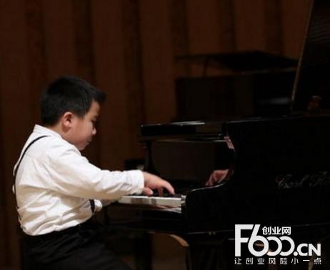 鲍蕙荞钢琴艺术培训