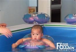 花漾妈咪婴儿游泳