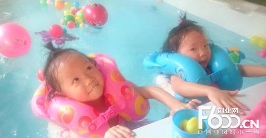 玲珑门婴儿游泳馆