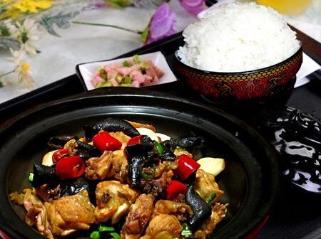朱记黄焖鸡米饭